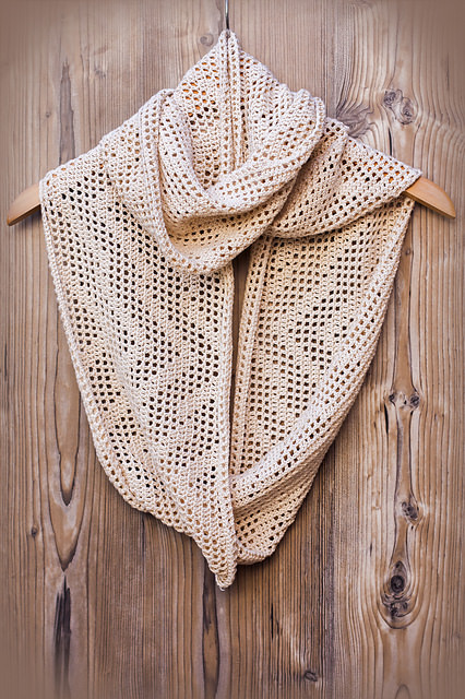 Comfy FingeringZigfinity Scarf by CrocheTrend