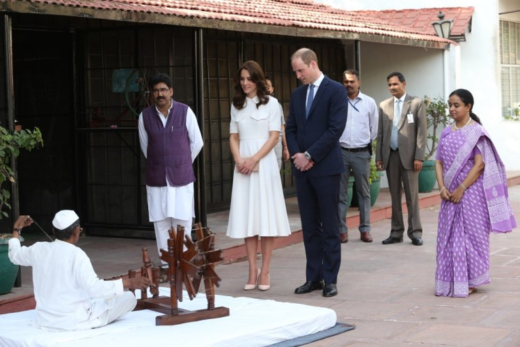William and Catherine visit Ghandi's house. I-images
