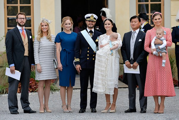 Prince Alexnader of Sweden's godparents pose for a photo at his christening. (Anders Wiklund / TT kod 10040)