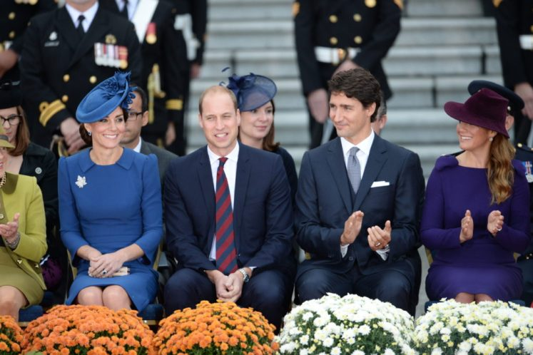 Prince William and Kate joined Justin and Sophie Trudeau for the official welcome to Canada at the Parliament Buildings of British Columbia #RoyalVisitCanada Picture by Andrew Parsons / i-Images