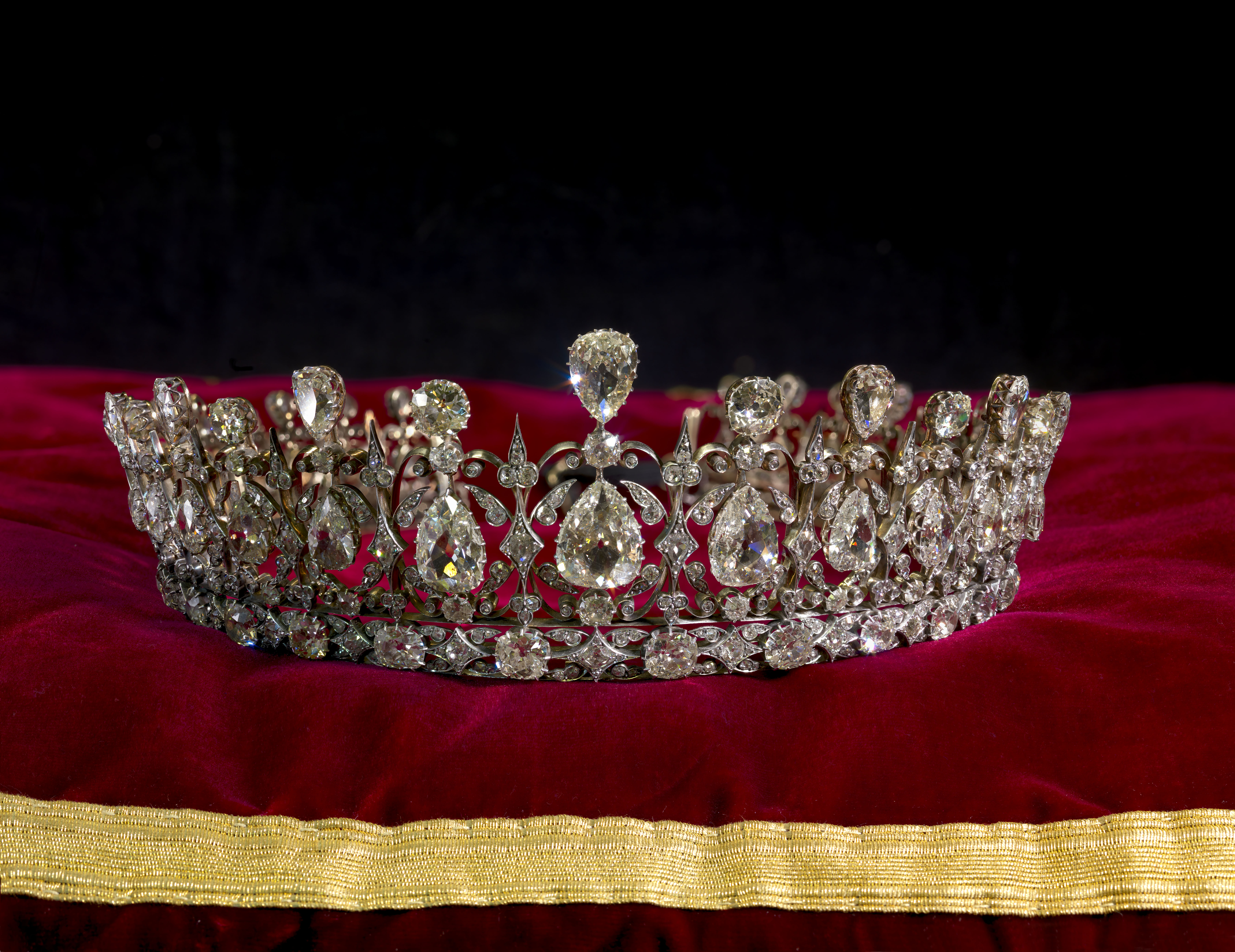 Meghans Choice Which Tiara Will She Choose For Her Wedding Day