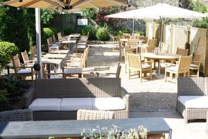 Outside restaurant at the Crown Granborough