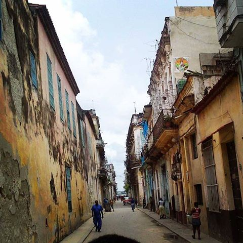 REFLEXIONS on the uncertainty of Cubas National Destiny