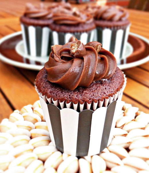Simple Chocolate Cupcakes with Chocolate Cream Cheese Frosting
