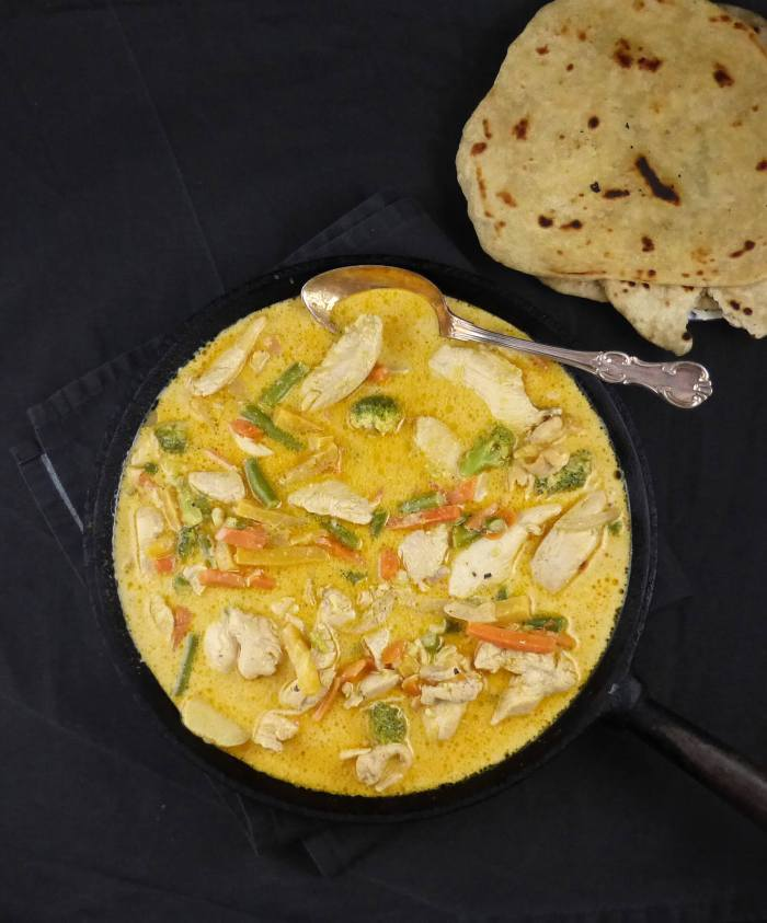 30 Minute Meal Garlic & Coconut Chicken Curry