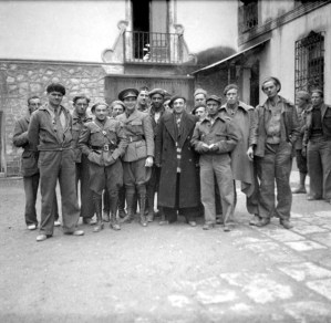 11_0754s_group-at-15th-international-brigade-estado-mayor-headquarters-at-ambite_nov-37
