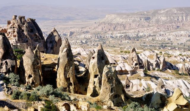 DSC 1023 In Turkey, Wine Hop Between Fairy Chimneys