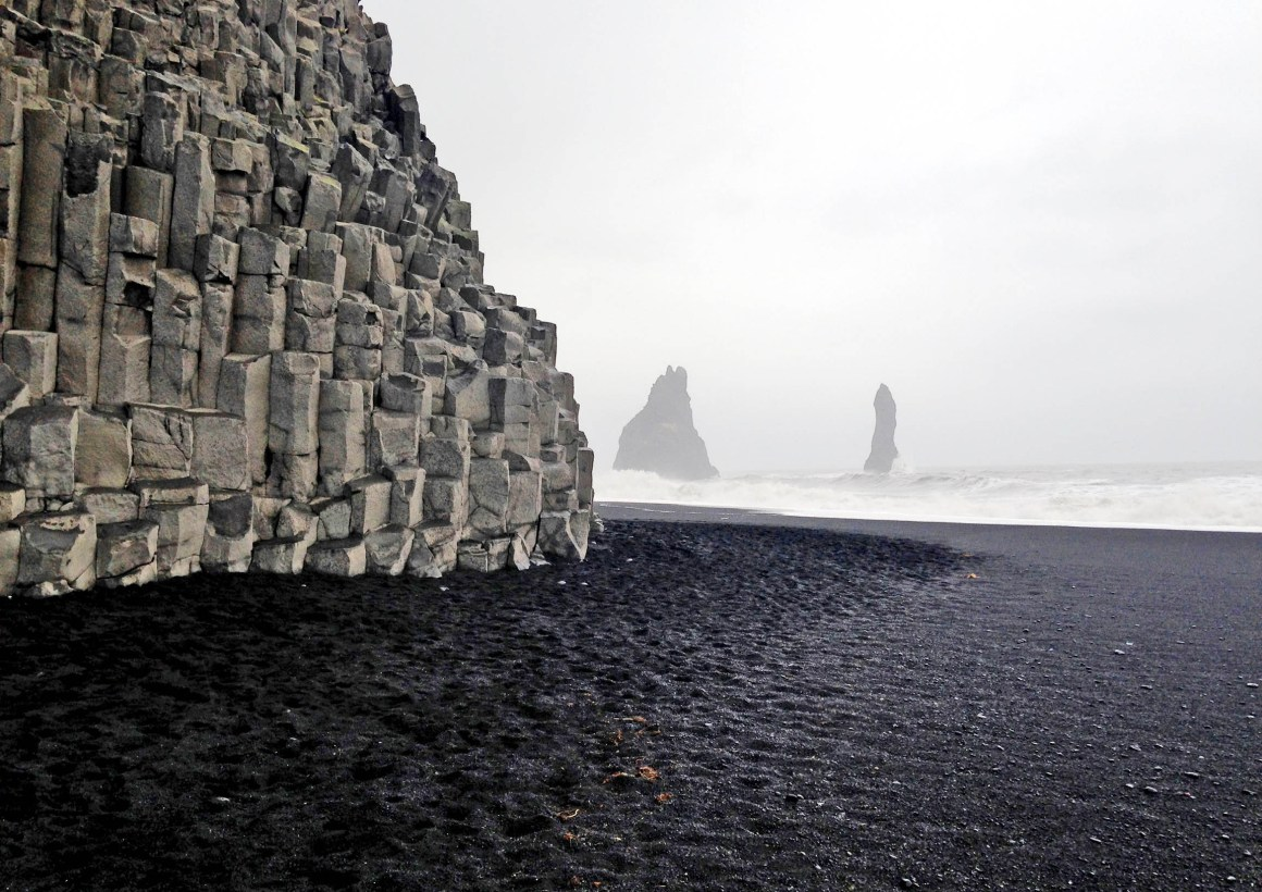 Basalt Columns Iceland : Geology rocks basalt columns in iceland the culture map