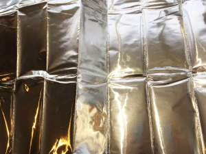 Self adhesive aluminium foil sheet