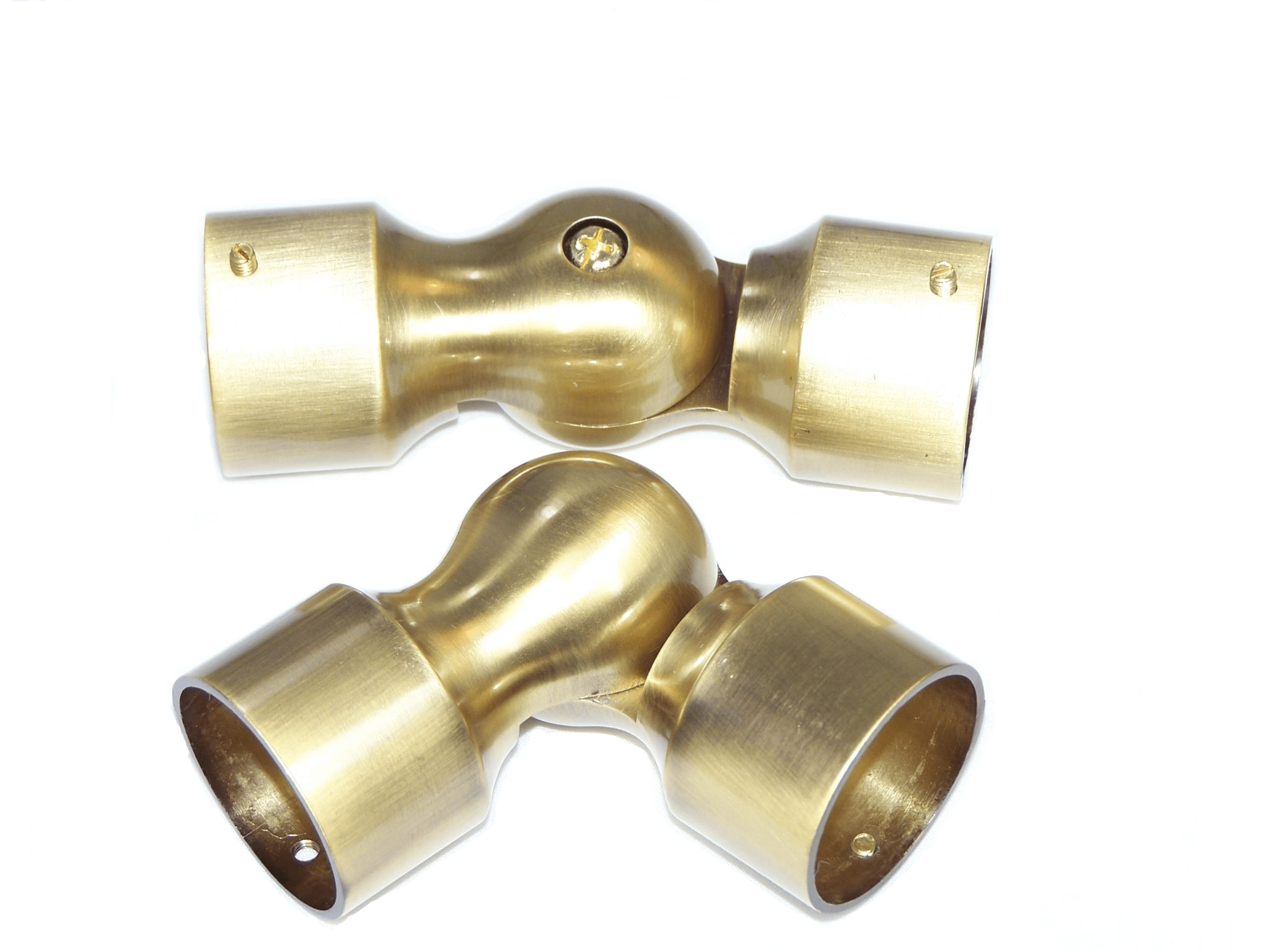 https www thecurtainpolecompany co uk 1 burnished antique brass bay window curtain pole corner joint elbow 35mm dia 7049 p asp