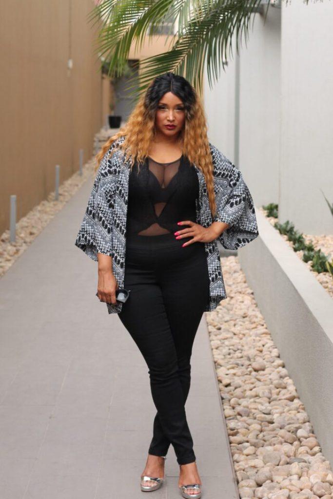 Fab and Luxury Curves Junarose style insider