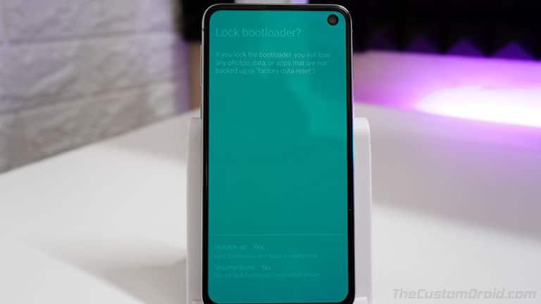Нажмите кнопку увеличения громкости, чтобы подтвердить и повторно заблокировать загрузчик на Samsung Galaxy S10