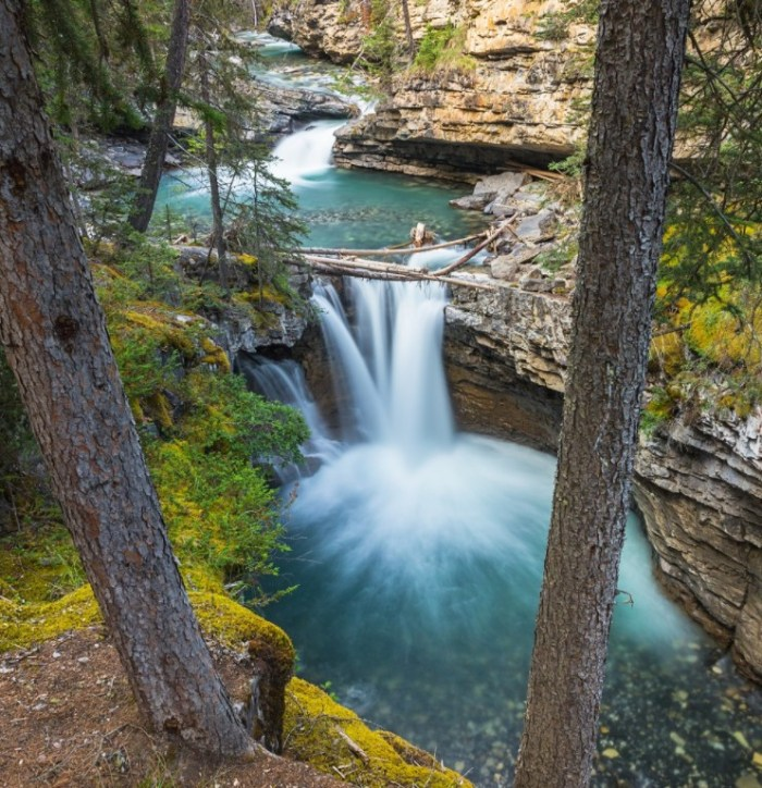Johnston Canyon Best TIme to Visit Banff National Park