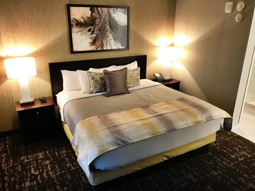 Eat and Stay In Springfield, Missouri: University Plaza Hotel