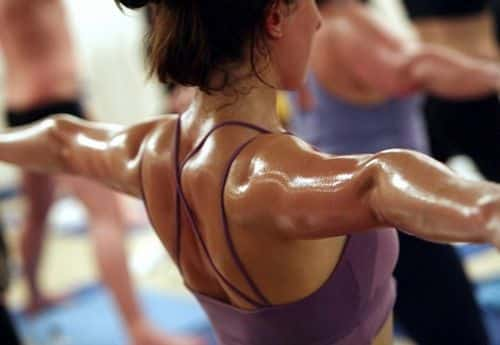 """Bikram Yoga Risks Are Actually """"Extremely Disturbing"""", Says Science"""