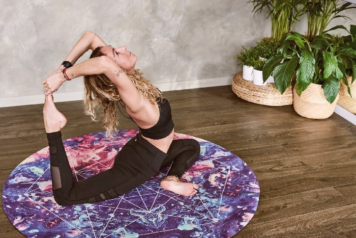 How To Use Yoga For Panic Attack Relief [TUTORIAL]