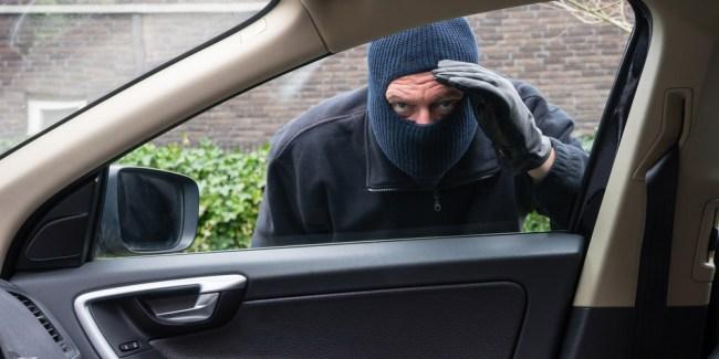 thief steal a car using locksmith
