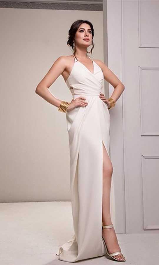 Mehwish-Hayat-bold-dress