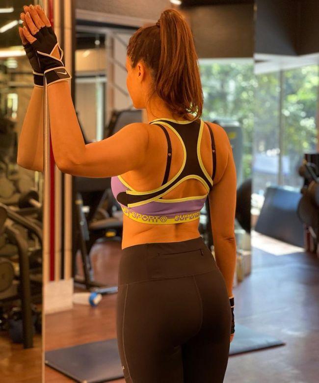 Amna Sharif Workout