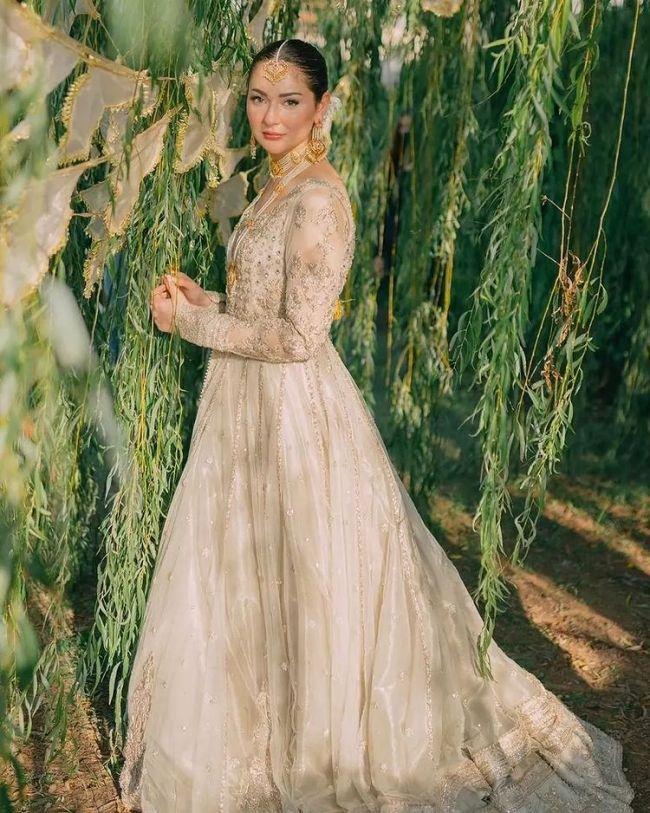 Hania Aamir Bridal Dress