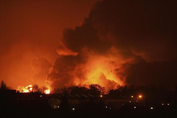 Huge Blast Rips Through Oil storage Depot