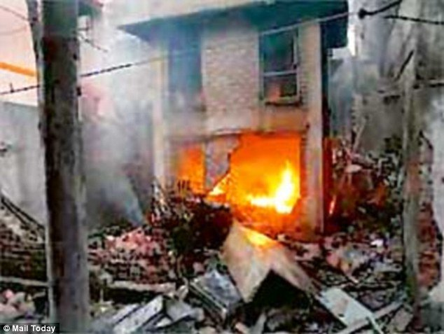 Two suspected militants were killed in the October 2 blast in Burdwan of India. Photo: Mail Online