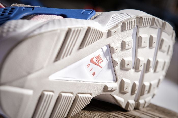 Nike-Air-Huarache-LE-size-exclusives-2013-4