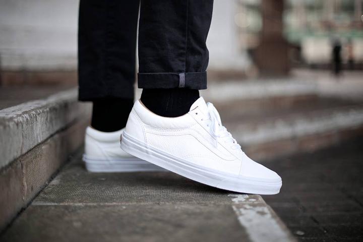 Vans Unisex Era Vintage Camo Skate Shoe On Feet