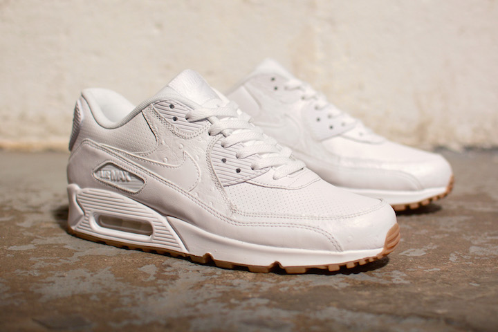 Nike-White-And-Gum-Pack-3