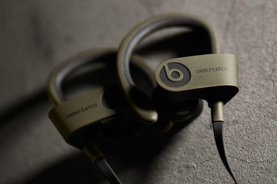undefeated-by-beats-by-dre-powerbeats2-wireless-in-ear-headphones-00