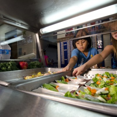 Students retrieve their lunch at Yorkshire Elementary School in Manassas, Virginia. Photo by U.S. Department of Agriculture.