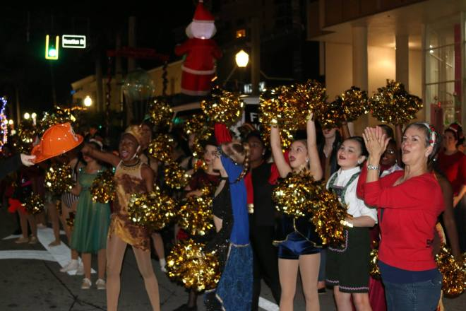 Dancer's Edge Perform in 2016 Holiday Parade Delray