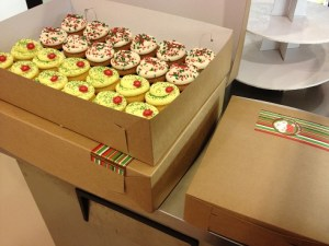 13B Cupcakes in boxes