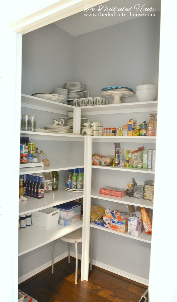 Painting Organizing Pantry