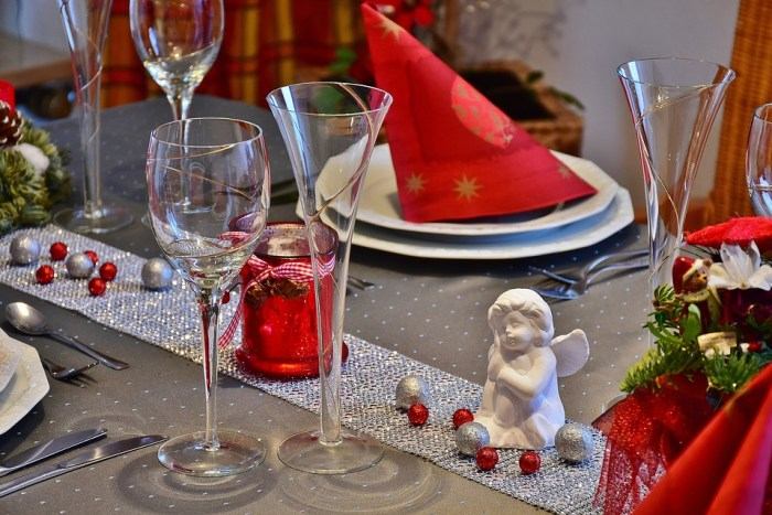 Tips make dining room dinner party ready