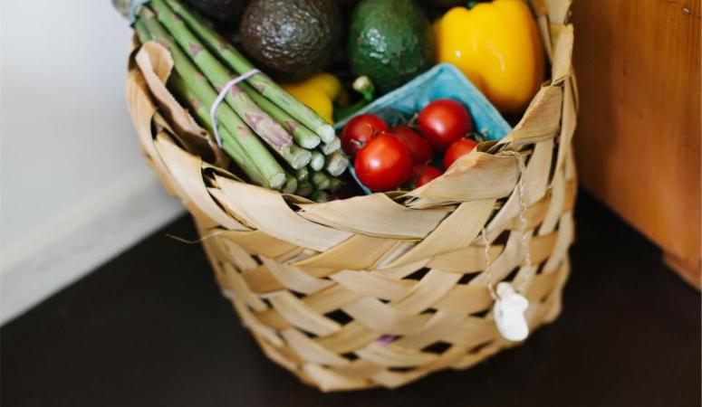 4 Hacks to Help You Stick to Eating Good Foods