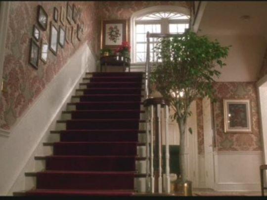 home-alone-mini-mansion-mytowninmovies