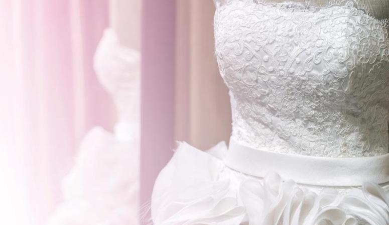 Wedding Dress Restoration | 10 Easy Steps To Wedding Dress Preservation The Dedicated House