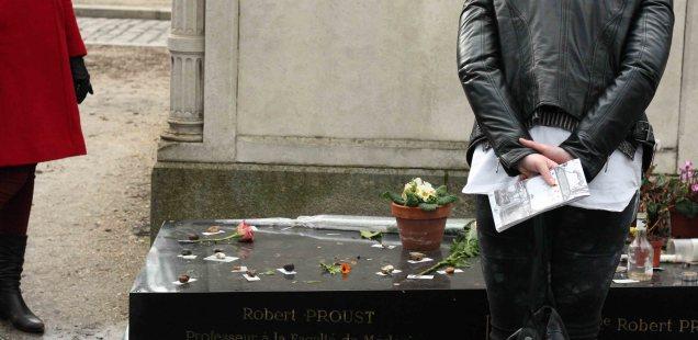 Delhi Proustian – Marcel Proust's Tomb, Père Lachaise
