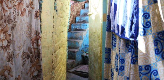 City Neighborhood - The 'Illegal' LNJP Colony, Near 5-Star Lalit Hotel