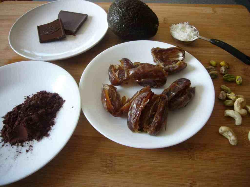 luscious-date-avocado-chocolate-truffles-prep