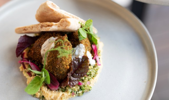 Akitō is the new plant-focused eatery enticing us to Waiheke Island