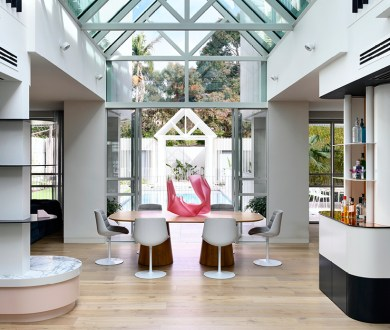 Step inside an opulent 80s-inspired home where glamour and colour come to play