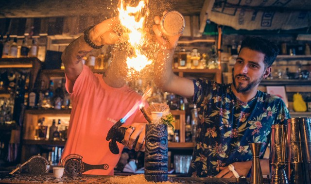 This weekend only, the Hyderabad Hotel site is hosting a worthy pop-up with killer cocktails and brilliant bites