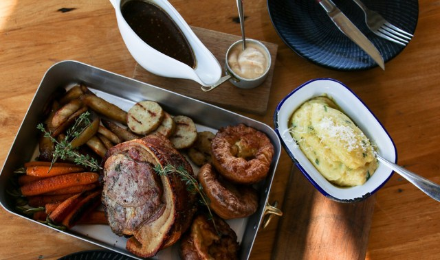 Sunday nights just got more delicious thanks to this unmissable roast dinner deal