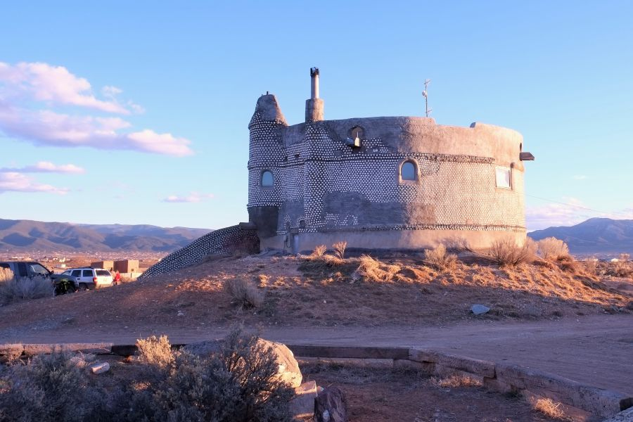 list of synonyms and antonyms of the word: earthship castle