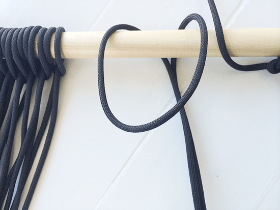 Overlapping the Cord for Main Fiber Row for Easy DIY Fiber Art Wall Hanging
