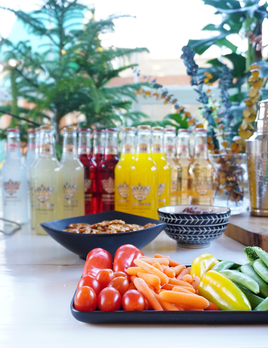 The Design Confidential Homegating is the New Tailgating // Tropic of Mule + Other Easy Gluten Free Football Watching Foods