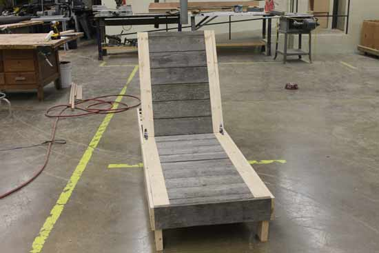 Reader Showcase // Two Toned Chaise Lounge for FFA Fair DIY Outdoor Kreg Jig Project Plans from Wood using Pocket Hole Screws