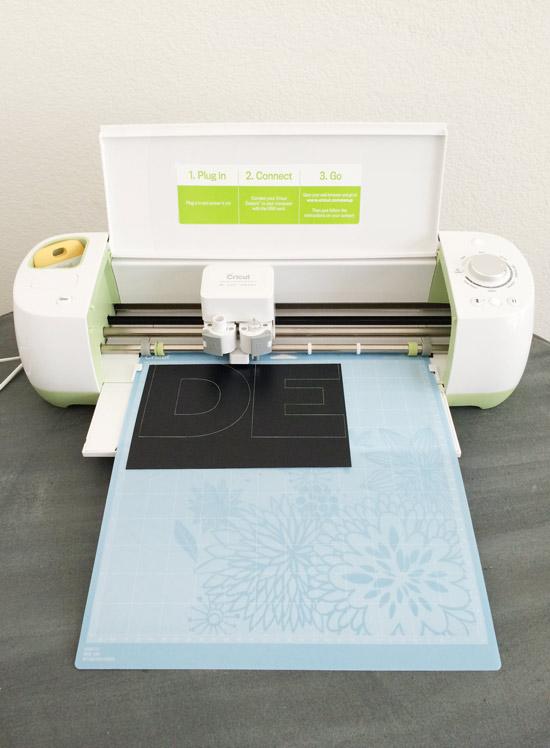 The Design Confidential DIY Easy Floating 14 Karat Gold Art + Free Printables